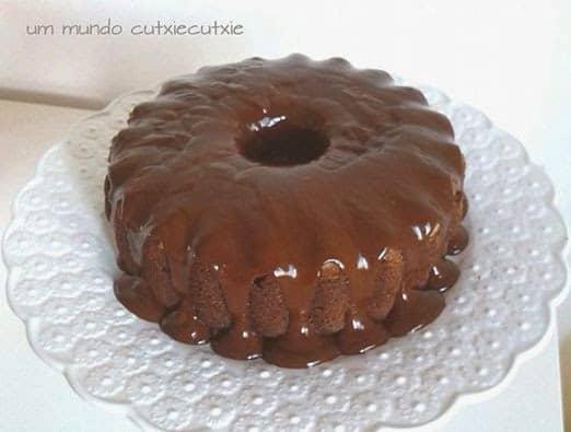 Bolo de beterraba com cobertura de chocolate